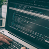 プログラミングとは何か できること・メリットなどをわかりやすく解説