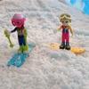 スノーパウダーで雪遊び。ふわふわモコモコに子供は大喜び!!