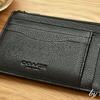 世はキャッシュレス時代。財布をカードと小銭入れ主体の小さいサイズにしてみました。