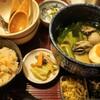 樂旬堂坐唯杏/牡蠣のしぐれ煮うどんと松茸ごはん