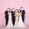 義家族とウェディングドレスで家族写真を撮りました