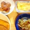 鶏つくね団子、イカフライ、野菜炒め、玉子焼き