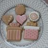 日本アイシングクッキー協会講座Lesson3はwet on wet!矢羽、お花、♡を描く