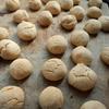 サラダ油で作るスノーボール(ブール・ド・ネージュ)。バターを使わないクッキーは安いし、さっぱりしたおいしさ。