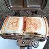 キャンプ飯 キャンプ朝ご飯の定番 ホットサンドのレシピは無限