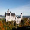 ノイシュバンシュタイン城とホーエンシュバンガウ城の秋の風景