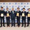 7名のゴールデンレーサーに対して 「ゴールデンレーサー賞」認定証授与式を開催!