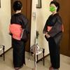 紗の夏着物は、黒でも涼しげに見える!