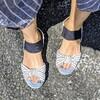 足のネイルシールが簡単・安い・長持ち・かわいい!でドはまり中。