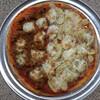 スミスおばあさん vs. インドカレーピザ。