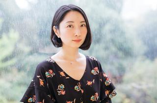 「20代で結婚しなきゃ」という呪いーー地方と東京の生き方を描く作家・山内マリコさん