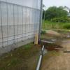 暑い中でのビニルハウス電気工事です。