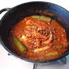 サービングポットで作るイタリアンなタコの柔らかトマト煮はワインが進む。