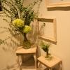 こもの鍼灸院栄の玄関装花