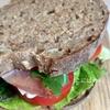 ぱぱっと作る!簡単「生ハムとカマンベールチーズのサンドイッチ」作り方・レシピ。