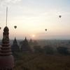 #087  バガンの仏塔から朝日を見てみた。 (2015.12)