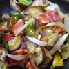 ベーコンと夏野菜の炒め物