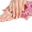 【初めてのネイルサロン】爪や指先を乾燥から守る簡単に出来るお手入れ方法とは?