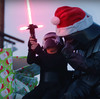 ダークサイドなクリスマス!祖父ダース・ベイダーと孫カイロ・レンが過ごす素敵な時間、『Darth Santa STRIKES BACK!』。