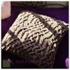 猫のためのあったか手編みクッションカバー|ミックスツイード・ベージュ