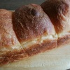 天然酵母でのパン作りはドライイーストよりも、時間と技が必要です。