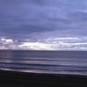 シーズン前の海へ行こう。夏本番になる前の静かな海へ。