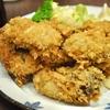 豊洲の「米花」でカキフライ、煮物、小松菜のお吸物。