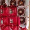 焼きドーナツのリースとリンゴのクリスマス