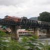 カンチャナブリで戦場にかける橋を見る旅