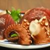 豊洲の「米花」でまぐろ・たこ刺身盛り合わせ、肉じゃが、フルーツトマトときゅうり・イカの酢の物。