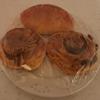 シナモンロールとベーコンのパン