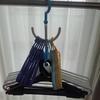 ハンガー収納の悩み。バラバラ、引っかかる・・・毎日のプチストレスを100円グッズで吊るして解消