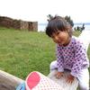 3歳と遊ぶ「月の島」遺跡の原っぱでシーソー♪(コパカバーナ・ボリビア