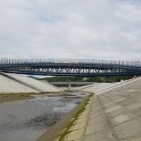 中橋 装飾施工中