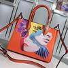 プラダコピーハンサム顔と美人顔のバッグ