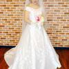 過去に撮影をしたウェディングドレス姿の写真を見ていると。
