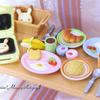 ダイニングテーブルセットとシルバニア朝食セット*2017年8月