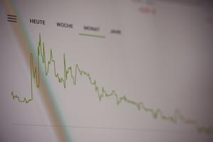 優良株の基本は長期保有?メリットとデメリットを解説!