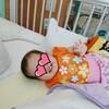 【娘の入院生活29日目】ACTH注射6回目のお休みは、自らつかまり立ちしました