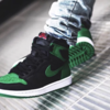 "【2月29日(土)発売】スニーカー抽選情報  ""NIKE AIR JORADAN 1 RETRO HIGH OG BLACK PINE GREEN (555088-030)"""