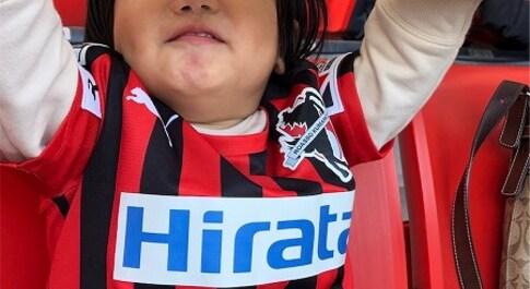 【スザンヌの妹マーガリンの子育て】ロアッソ熊本のホーム最終戦を、リンクコーデで応援しにいったよっ🌈