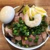 ラーメン屋の肉厚焼豚丼650円の幸せ。超絶柔らかいトンテキを食ってる気分だね!!