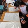 4年生:図工 木版画の下絵を板に写す