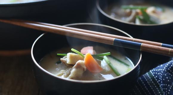 粕汁のレシピ~私はコレを食べることで寒い冬を乗り切ってきました【ホマレ姉さん】