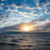 琵琶湖の夕暮れと多賀大社神あかり
