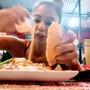 パラグアイ流・ハンバーガーの楽しみ方