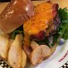 「VILLAGE VANGUARD DINER」のアメリカンな本格ハンバーガー