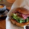 八ヶ岳のオシャレな人気店「パン食堂 PUT」で美味しいハンバーガーを食べました。
