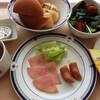 ハム&ソーセージ、白身魚のソテー、鶏のスープ煮/バランス献立1食の値段