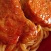 つくりおきした豚ヒレ塩ワイン煮に トマトペーストだけ足してパスタソースに